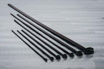 В дополнение к классической черной кабельной стяжке, существуют другие крепежные элементы для любых требований.